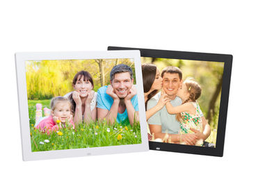 China 15W 350cm / d LCD Digital Photo Frame With Video Loop Play factory